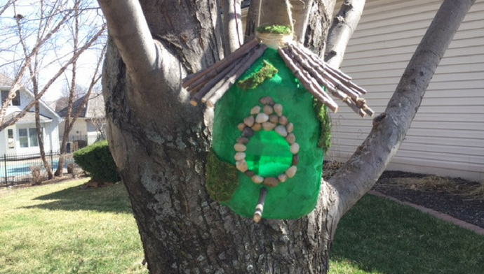 DIY Milk Jug Birdhouse