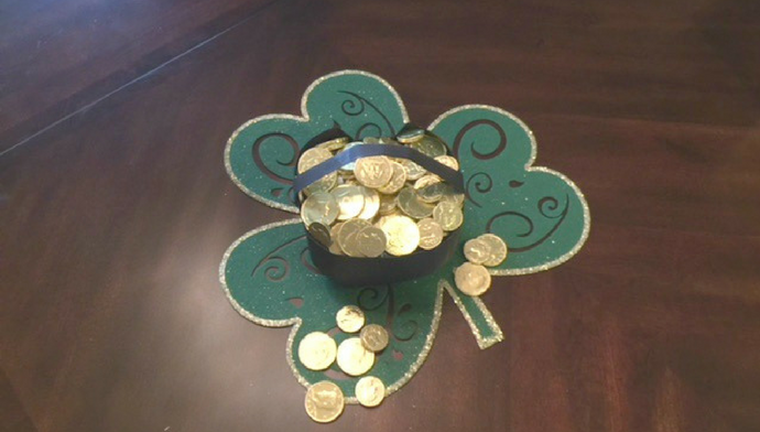 Easy DIY Pot of Gold for St. Patricks Day