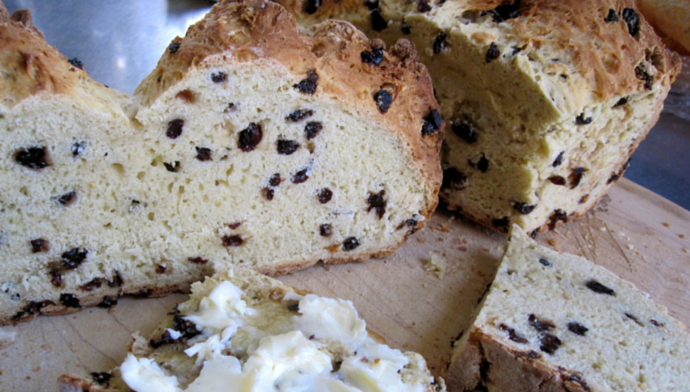 Sara's Kitchen: Irish Soda Bread